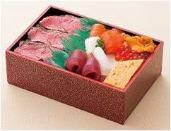 <知床鮨>×<ポール・ボキューズ>ローストビーフと海鮮のぜいたく弁当