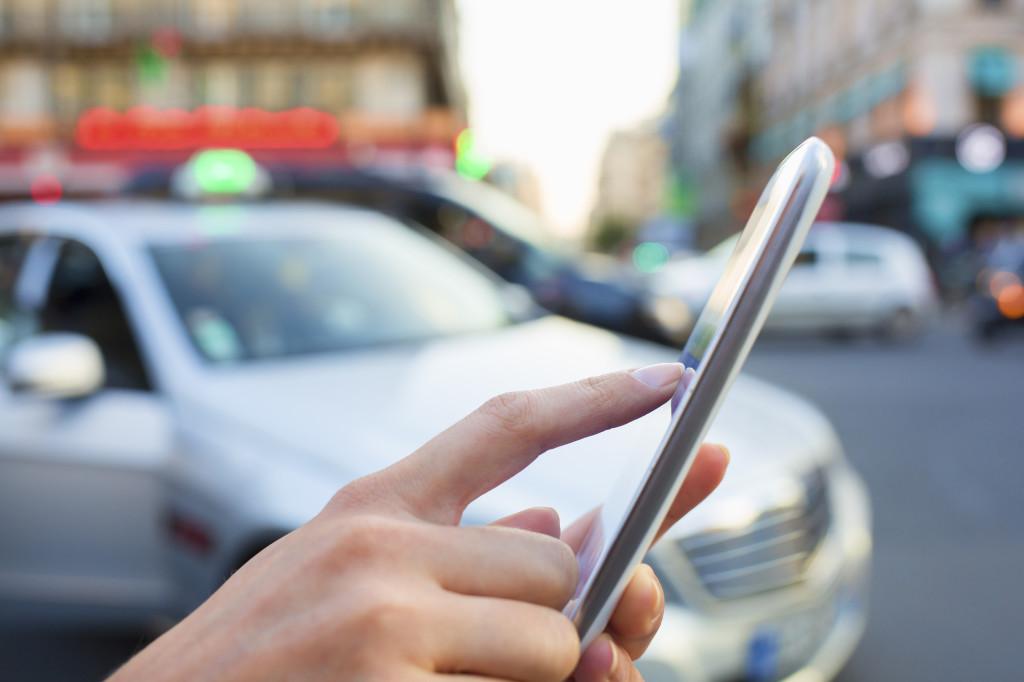 規制に挑むマッチングビジネス タクシー、ホテル業界に反発も Photos