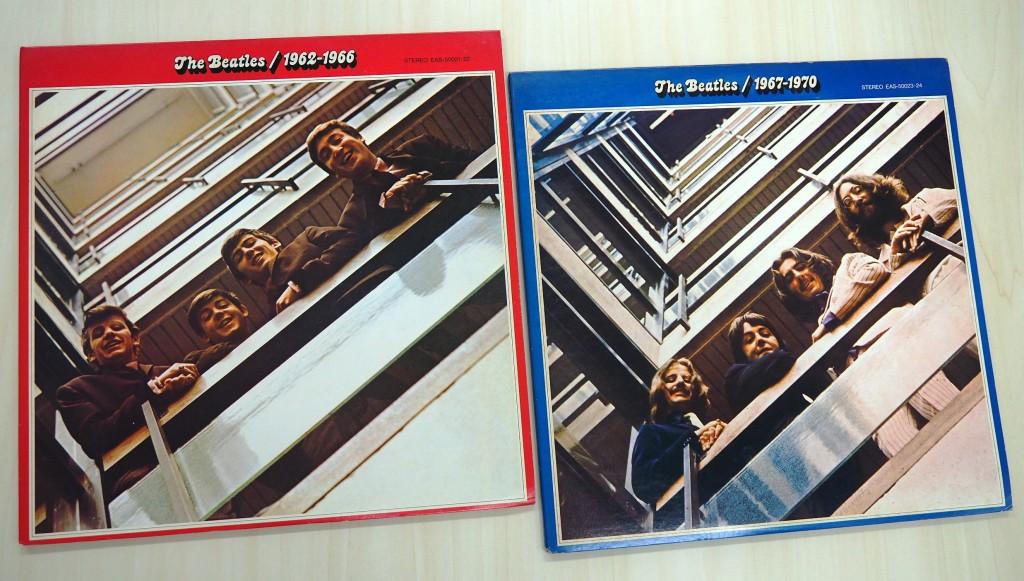 『ザ・ビートルズ 1962~1966』(写真左)と『ザ・ビートルズ 1967~1970』(写真右)