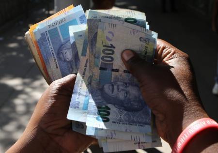 ジンバブエが新銀行券発行? 米ドルと等価、外貨不足で 画像1