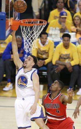 NBA、ウォリアーズがC決勝へ プレーオフ 画像1