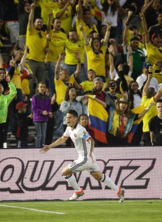 サッカー、コロンビア連勝で8強 南米選手権 画像1