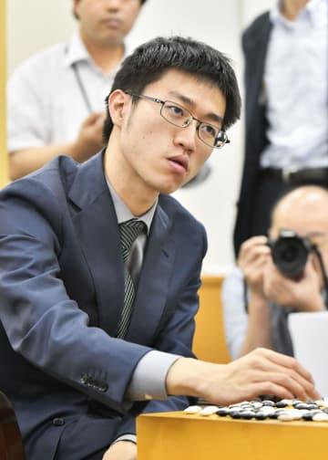 20歳の許家元、最速で新碁聖に 囲碁、井山裕太は六冠後退 画像1