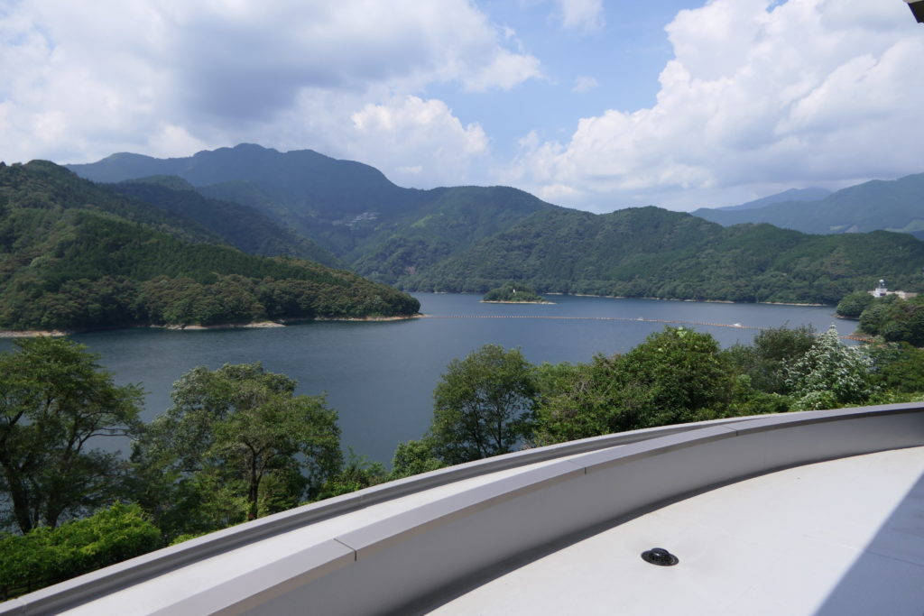さめうら荘から一望できる早明浦ダム湖