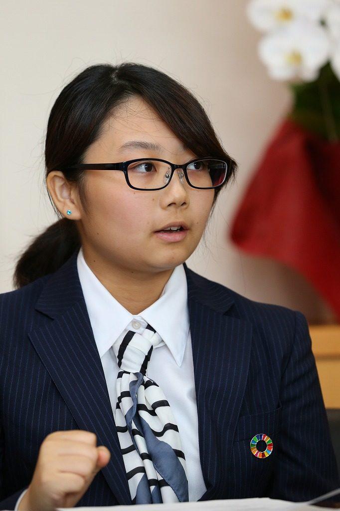 武山 ひかる氏(たけやま・ひかる)東京福祉大1年生。2000年生まれ。東日本大震災震災ガイドグループ「東松島市学生震災ガイドTTT」へ2016年に加入。被災体験を伝える。宮城県出身
