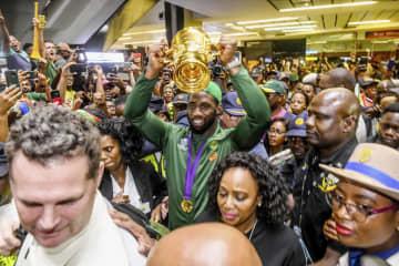 W杯優勝、南アフリカが凱旋 空港に大勢のファン 画像1