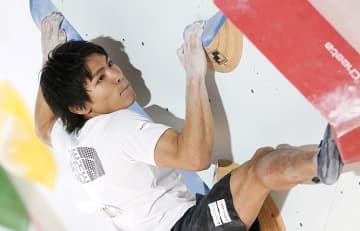 楢崎智亜、野口啓代ら準決勝へ ボルダリングのジャパン杯 画像1