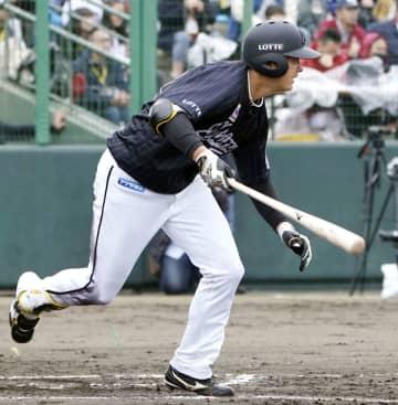 ロッテのルーキー佐藤が2安打 練習試合に先発出場 画像1