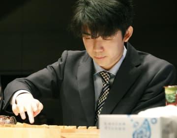 将棋、藤井聡太七段が3連覇逃す 朝日杯準決勝で敗退 画像1