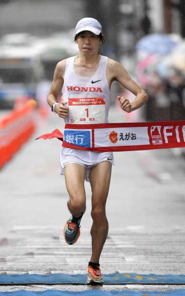 熊日30キロ、設楽悠太が初優勝 五輪代表争いの東京マラソン前に 画像1