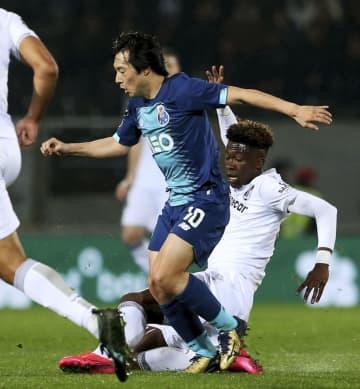 サッカー、中島は終盤に出場 ポルトガル1部リーグ 画像1
