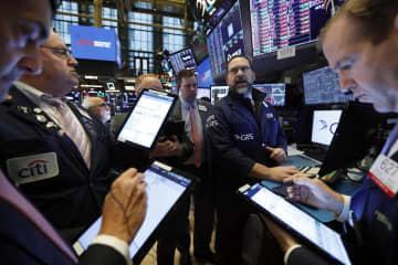 NY株続落、165ドル安 新型肺炎、業績悪化警戒 画像1