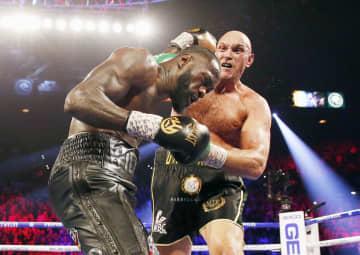 WBC、フューリーが王座奪取 ヘビー級世界戦、ワイルダー破る 画像1