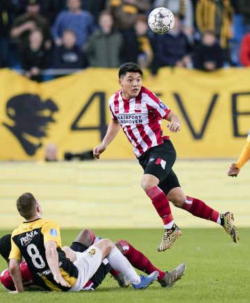 サッカー、中山雄太はフル出場 オランダ1部、堂安律は終盤出場 画像1