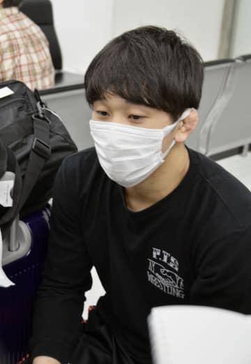 レスリング乙黒「いいスタート」 アジア選手権初Vから帰国 画像1