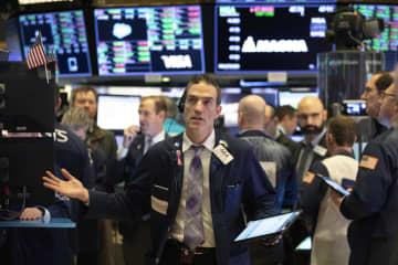 NY株続落、123ドル安 新型肺炎懸念、10年債最低 画像1