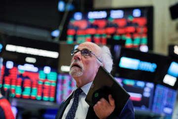 NY株、緊急利下げでも急落 785ドル安、市場の不安増幅 画像1