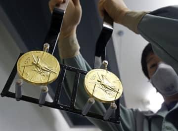 五輪メダル製造が大詰め パラ含め5千個用意、造幣局 画像1