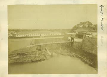 取り壊し寸前の江戸城古写真公開 神田駿河台の画廊で 画像1