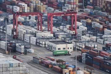 中国の貿易総額11%減 新型コロナで物流寸断 画像1