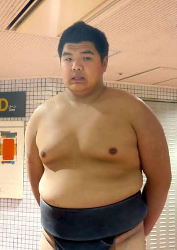静かな館内で前相撲 無観客の「就職場所」 画像1