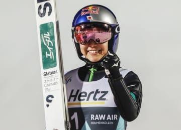 高梨沙羅、W杯100度目表彰台 ジャンプ、女子初 画像1