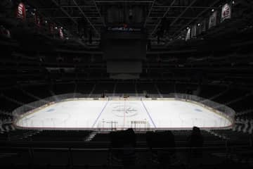NHLがシーズン中断 コロナ拡大で、MLSも 画像1