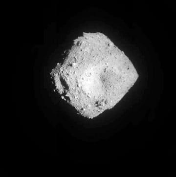 小惑星、がれき重なる構造か はやぶさ2、りゅうぐうを分析 画像1