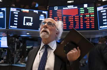 NY株暴落、2997ドル安 下げ幅最大、またも取引停止 画像1
