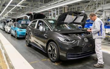 VW、欧州で大規模休業へ ルノーも、経営に打撃 画像1
