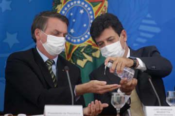ブラジル大統領を市民らが批判 新型コロナ対策で消極的 画像1