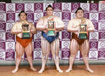 春場所、隆の勝が初三賞で敢闘賞 阿武咲が殊勲、碧山は技能 画像1