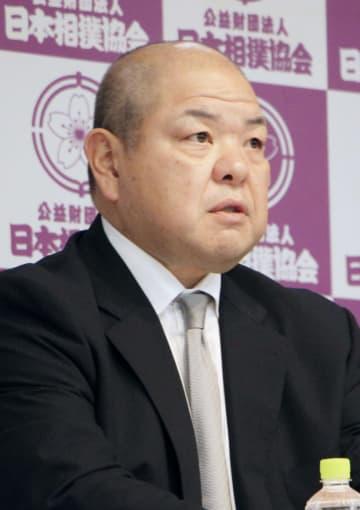 相撲協会、八角理事長の続投決定 コロナや暴力対策へ抱負 画像1