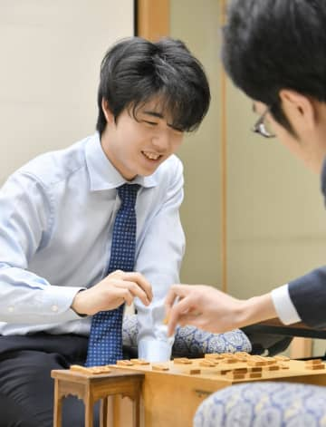 将棋の藤井、初の3年連続8割 年度勝率、羽生を抜く 画像1