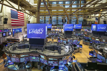 NY株反落、915ドル安 経済懸念、週間は大幅上昇 画像1