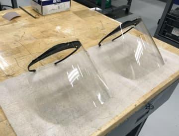 トヨタ、顔覆う防護マスク生産へ 医療現場支援、従業員用も自前で 画像1