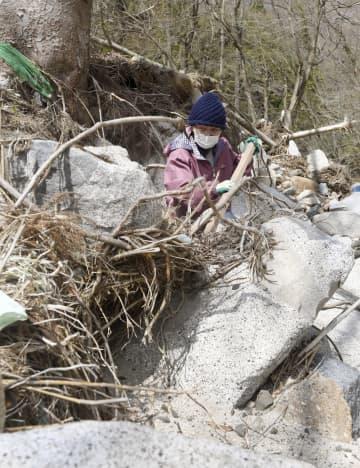 99人犠牲、台風19号から半年 家族が行方不明女性、なお捜索 画像1