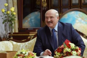 新型コロナ「ウオッカが効く」 ベラルーシ大統領が異様発言連発 画像1