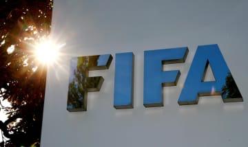 感染対策でつば吐きに警告検討を 国際サッカー連盟の医務委員長 画像1