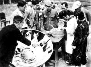 <あのころ>太陽熱炊飯器をPR 国内では普及せず 画像1