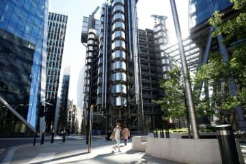英20年成長率、14%減か 中央銀行予測、新型コロナ影響 画像1
