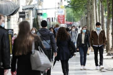 フランス、外出制限解除 懸念強く、パリ市民は慎重 画像1