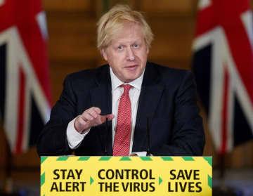 英国、段階的な制限緩和スタート 死者増で「拙速」批判も 画像1