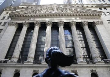 NY株反発、377ドル高 米経済活動再開に期待感 画像1