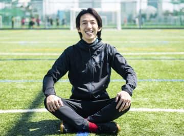 サッカーのドリブル理論で脚光 日本代表にも技術伝授の岡部さん 画像1