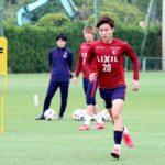 グループ練習で体を動かすJ1鹿島の三竿((C)KASHIMA ANTLERS)