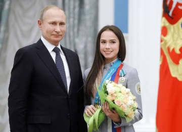 プーチン大統領、ザギトワに祝電 18歳の誕生日迎え 画像1