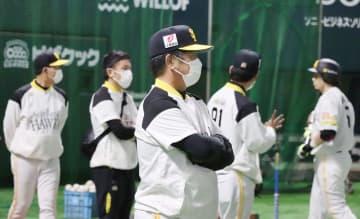 ソフトバンクの投手と野手が合流 工藤監督「非常にいい動き」 画像1