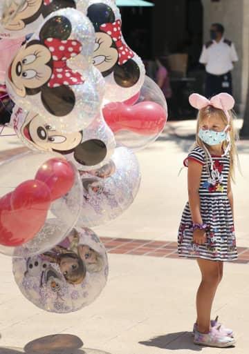 米ディズニー、商業施設を再開 フロリダ州、マスク着用の必要 画像1