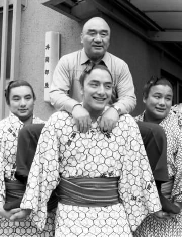 <あのころ>史上初の3兄弟関取 井筒部屋に誕生 画像1